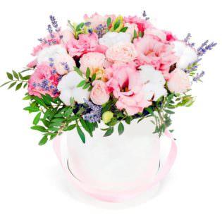 Цветы в коробке «Интрига»
