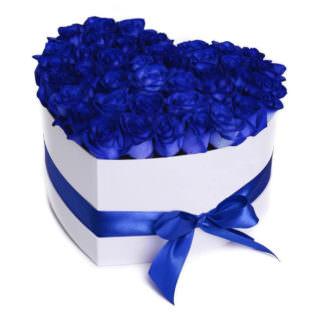 Цветы в коробке «Синее сердце»